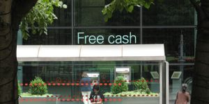 Free cash. Image credit: Tnarik Innael.