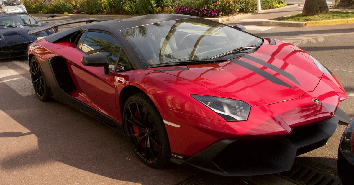 Sports car. Image credit: Wirden.